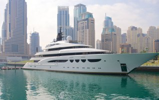 Dubai Marina Yacht Charters Gallery 3