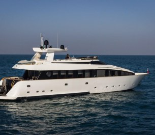 RY 100 Ft Yacht Charter