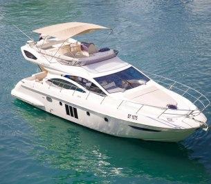 Xclusive 48 Ft Yacht Rental
