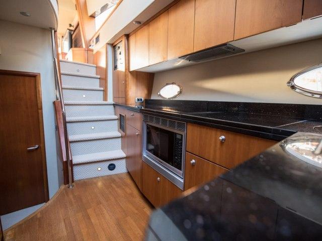 Daydream 64 Ft Yacht Rental 6