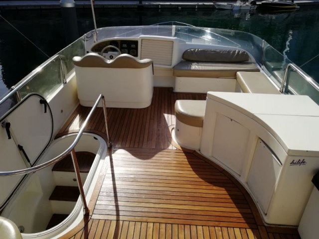Cozmo 55 Ft Yacht Charter 6