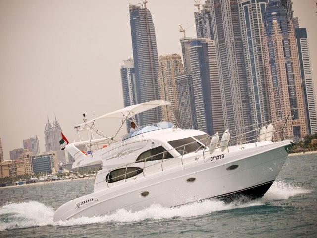 Xclusive 48 Ft Al Shalli Yacht Charter 2
