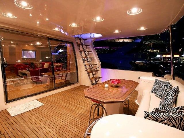 RY 85 Ft Yacht Rental 5