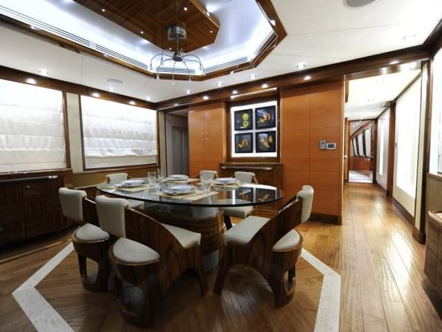 Xclusive 101 Ft Yacht Charter 6