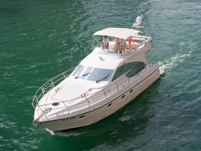 Xclusive 52 Ft Yacht Charter 1