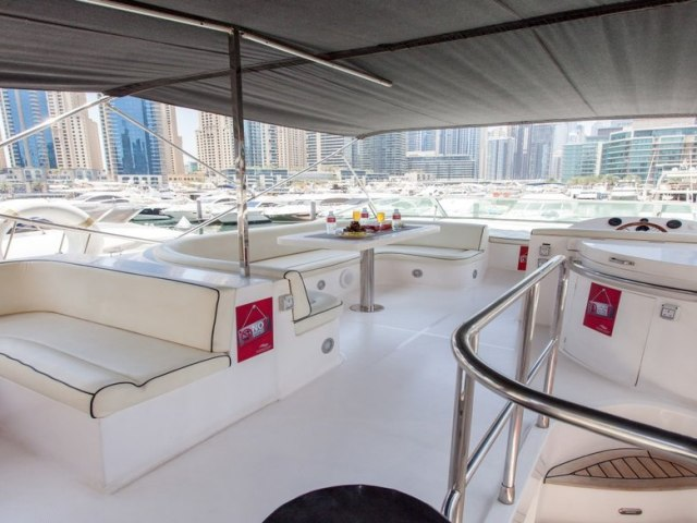 Xclusive 56 Ft Yacht Charter 4
