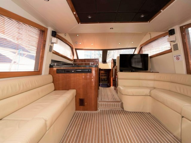 Cozmo 52 Ft Yacht Charter 8