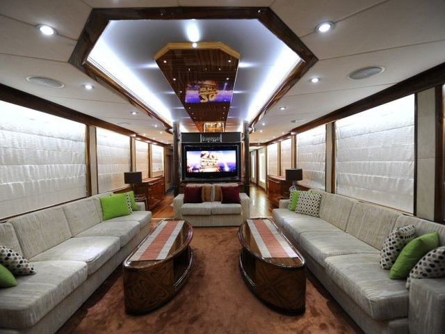 Xclusive 101 Ft Yacht Charter 7