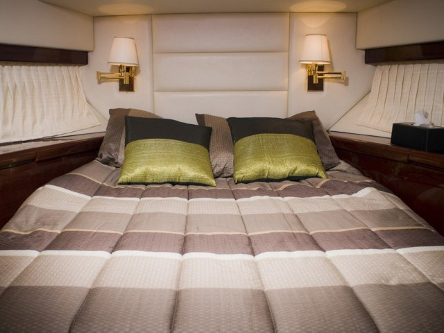 Xclusive 48 Ft Al Shalli Yacht Charter 4