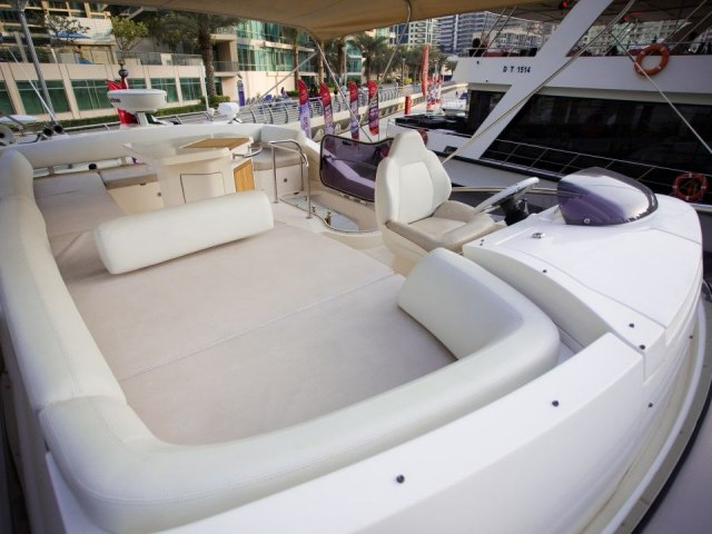 Xclusive 48 Ft Yacht Rental 4