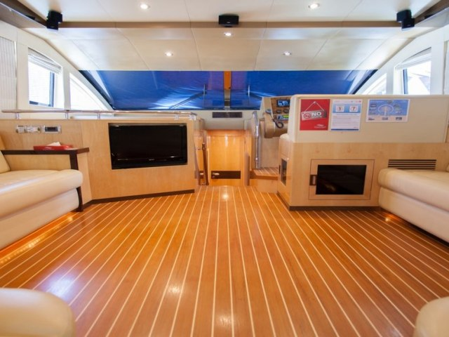 Xclusive 56 Ft Yacht Charter 5