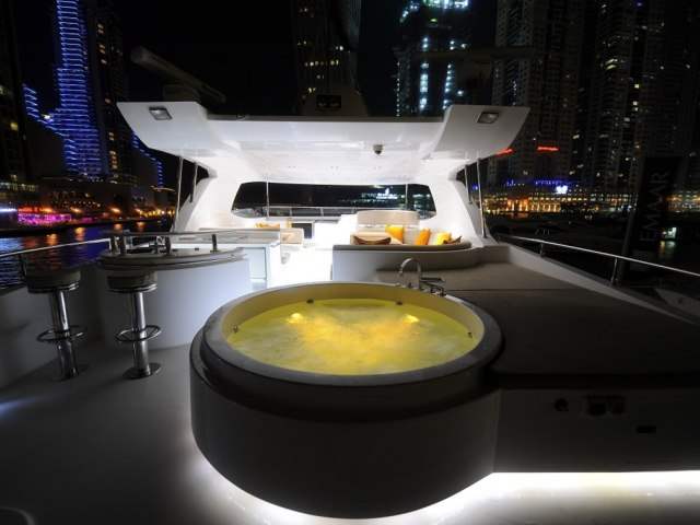 Xclusive 101 Ft Yacht Charter 5