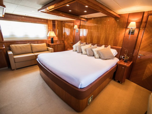 Notorious 90 Ft Yacht Charter 3