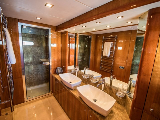 Notorious 90 Ft Yacht Charter 4