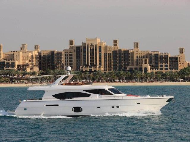 RY 85 Ft Yacht Rental 8