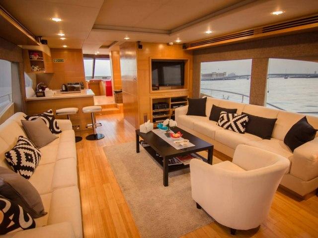 RY 85 Ft Yacht Rental 9
