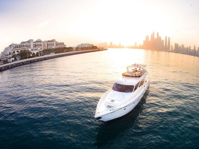 RY 85 Ft Yacht Rental 11