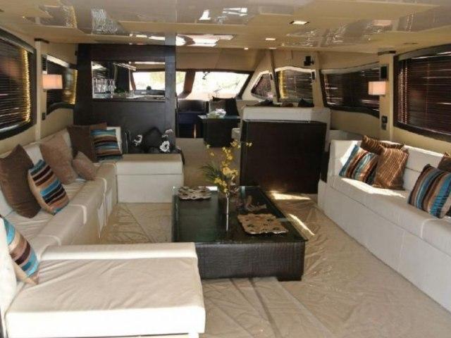 Cozmo 90 Ft Yacht Charter 9