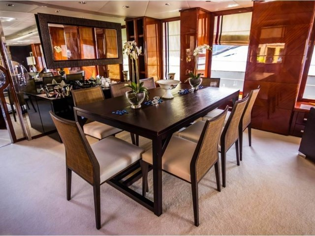 RY 100 Ft Yacht Charter 7