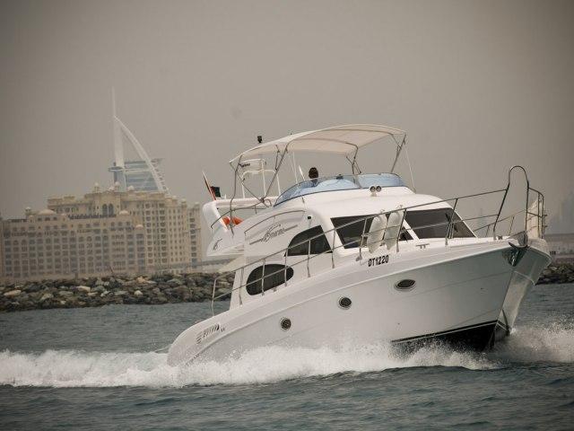 Xclusive 48 Ft Al Shalli Yacht Charter 7