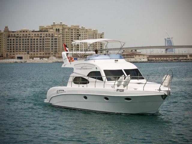 Xclusive 48 Ft Al Shalli Yacht Charter 1