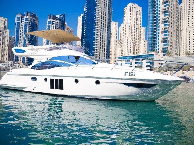 Xclusive 48 Ft Yacht Rental 2
