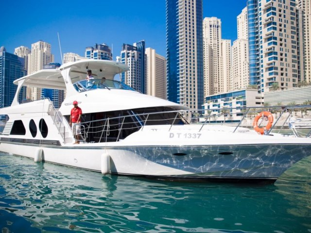 Xclusive 64 Ft Yacht Rental 7