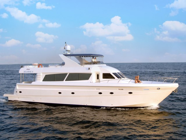 Xclusive 86 Ft Yacht Charter 1