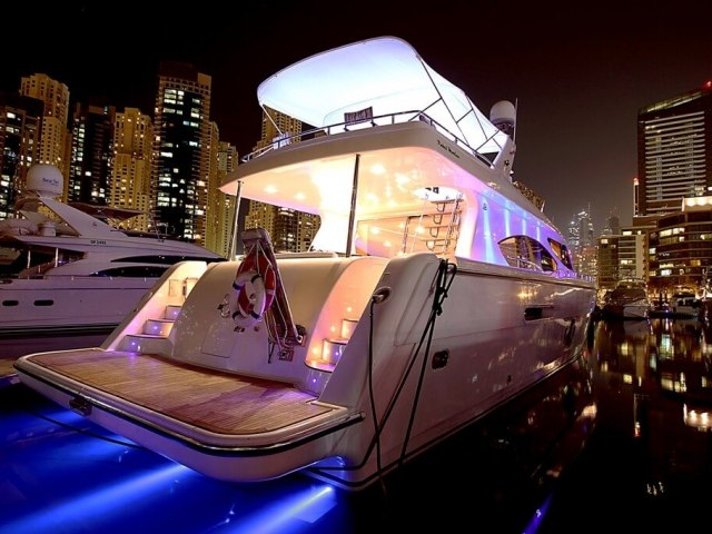 RY 85 Ft Yacht Rental 3