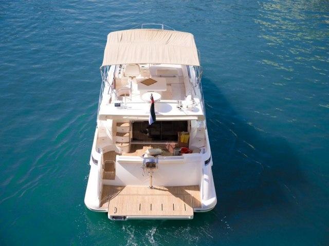 Xclusive 48 Ft Yacht Rental 7
