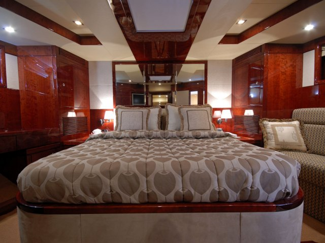 Xclusive 86 Ft Yacht Charter 4